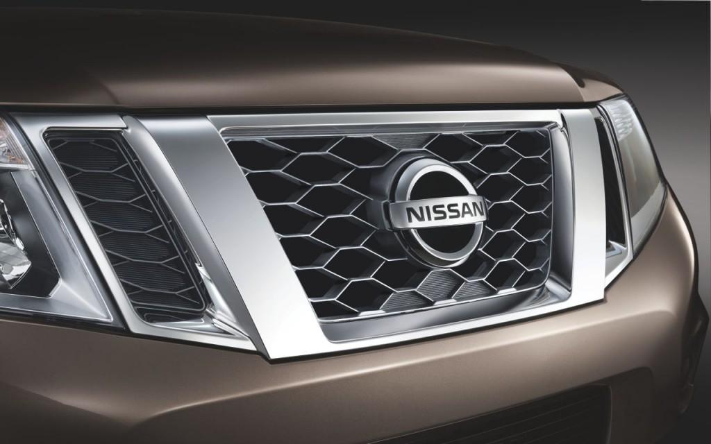 Решетка радиатора Nissan Terrano