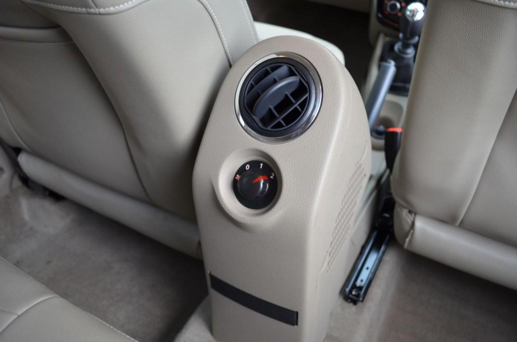 Nissan Terrano вентиляция для задних пассажиров